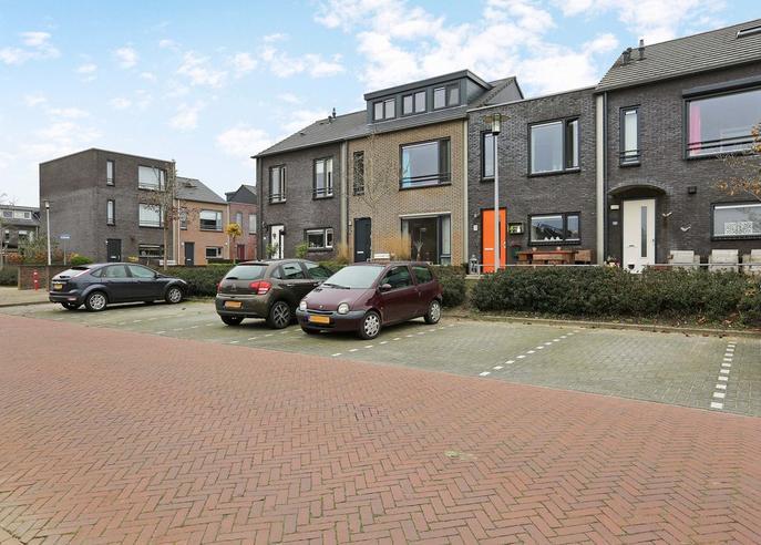 Atalanta 42 in Hoogeveen 7908 VK