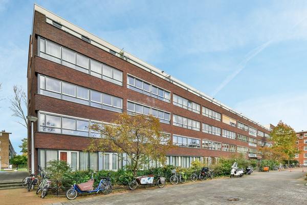 Joos Banckersplantsoen 121 in Amsterdam 1056 LD