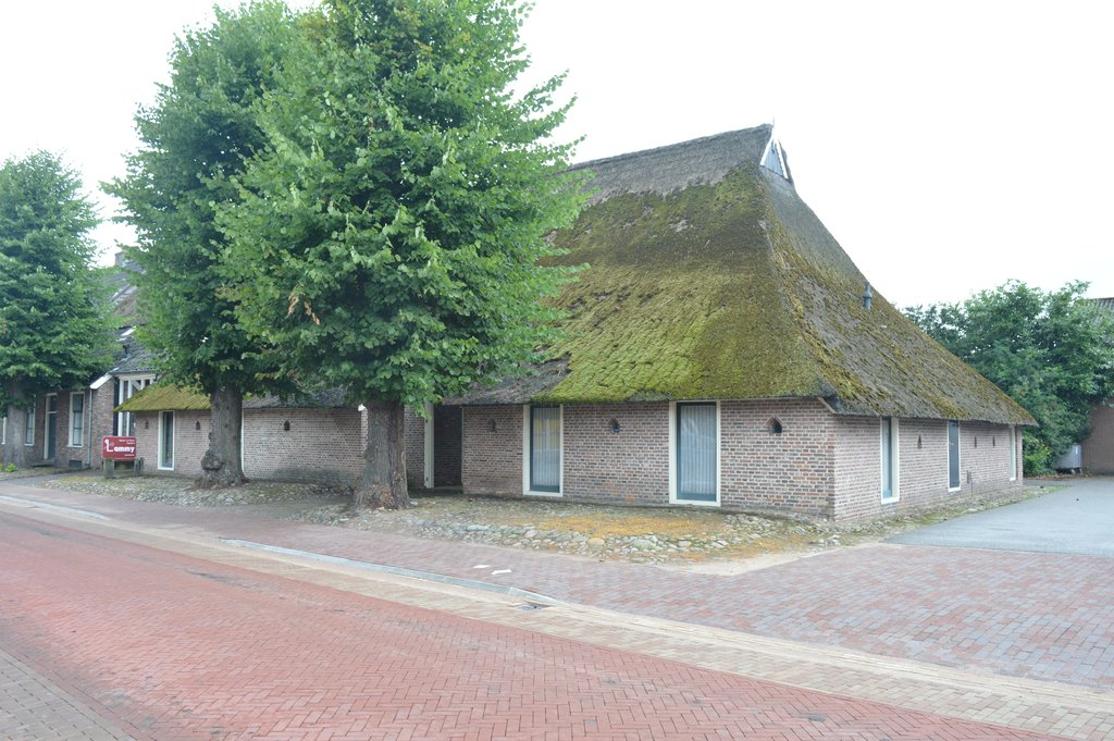 Dorpsstraat 23 in vledder 8381 am woonhuis te koop for Funda dubbele bewoning
