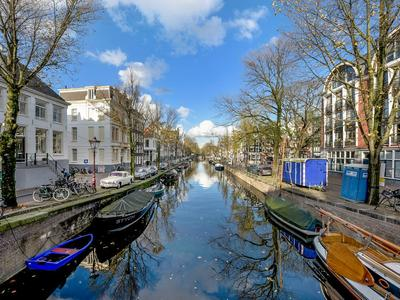 Weteringschans 235 in Amsterdam 1017 XH