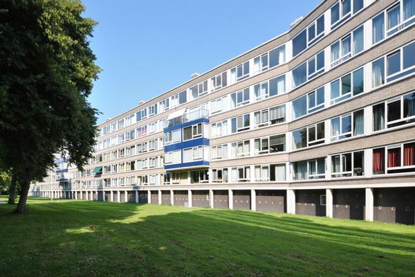 Parelmoerhorst 180 in 'S-Gravenhage 2592 SJ