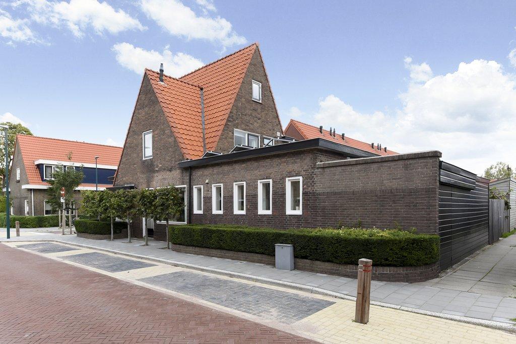 Authentieke Details Behouden : Celebesstraat 39 in oegstgeest 2341 xg: woonhuis. panne van soest