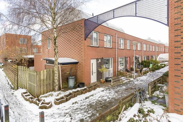 Rheezerveld 25 in Nieuw-Vennep 2151 JE
