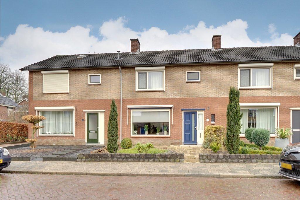 Zuiderlaan 14 in Didam 6942 DL: Woonhuis. - Joosten Makelaardij