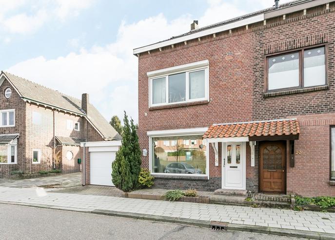 Pastoor Hagenstraat 22 in Brunssum 6442 BV