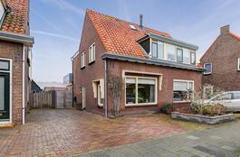Sluisweg 60 in Hardinxveld-Giessendam 3371 EW
