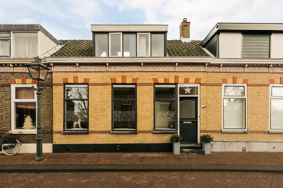 Pastoriedijk 89 in Pernis Rotterdam 3195 HA