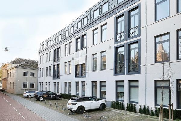 Lange Putstraat 37 in 'S-Hertogenbosch 5211 KN