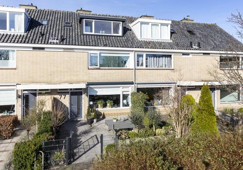 Warande 77 in Nieuw-Vennep 2152 CL
