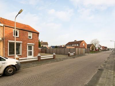 Rucphensestraat 50 in St. Willebrord 4711 JM