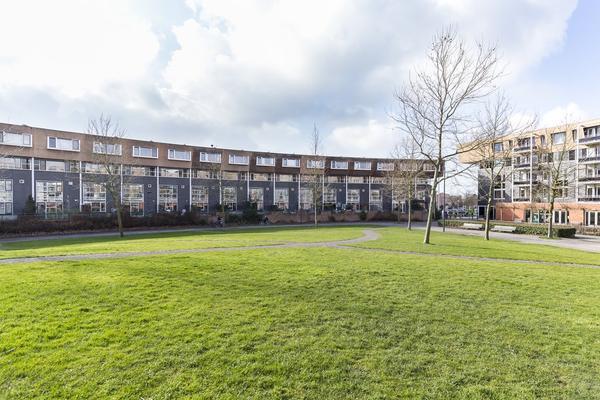Zomerpark 6 in Nieuw-Vennep 2151 HA