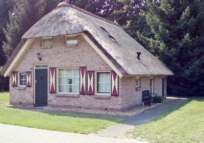 Veldhuisweg 4 -16 in IJhorst 7955 PP
