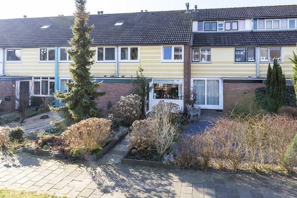 Vagerveld 25 in Nieuw-Vennep 2151 ZB