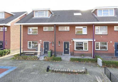 Rodelindalaan 72 in Nieuw-Vennep 2152 PL