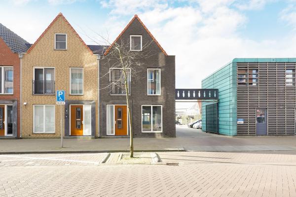 Enkhuizenstraat 2 in Amersfoort 3826 BP