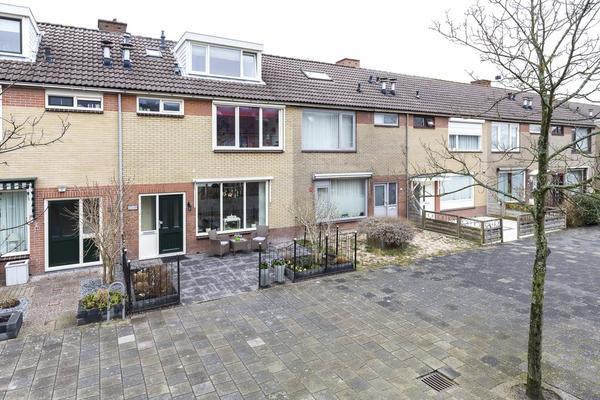 Wikkestraat 19 in Nieuw-Vennep 2153 CD