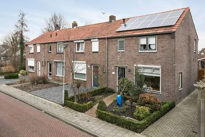 J A Molstraat 2 in Kapelle 4421 AT