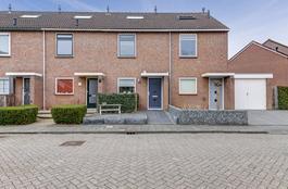 Slotplein 22 in Langerak 2967 XD