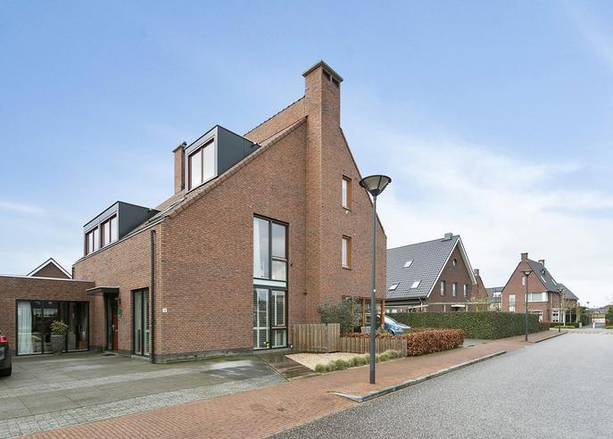 Kapitein De Haasstraat 4 in Halsteren 4661 ZD