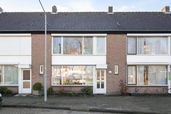Guido Gezellelaan 35 in Oosterhout 4904 ES