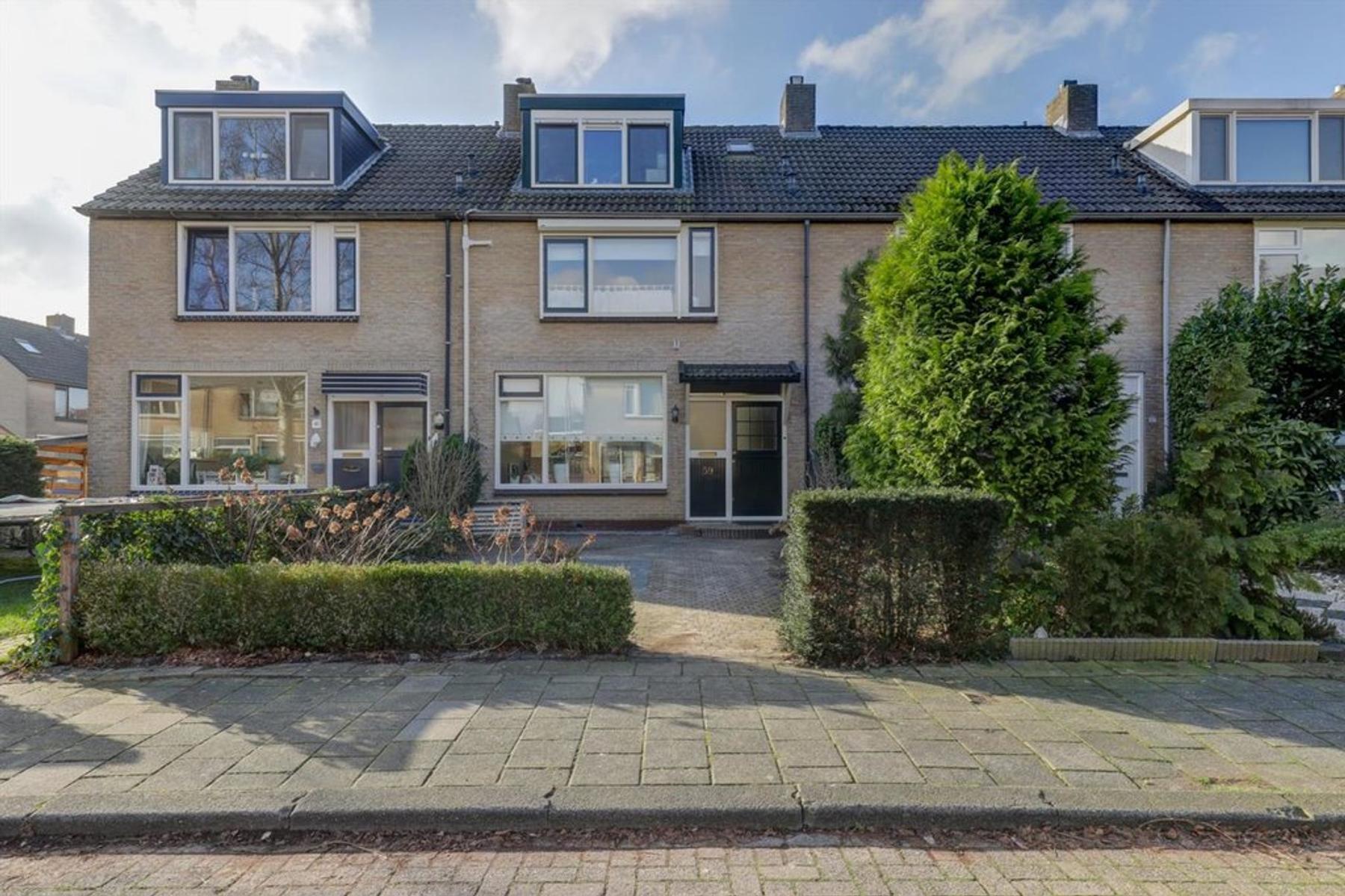 Laurierstraat 59 in dordrecht 3319 hl: woonhuis. estate makelaar