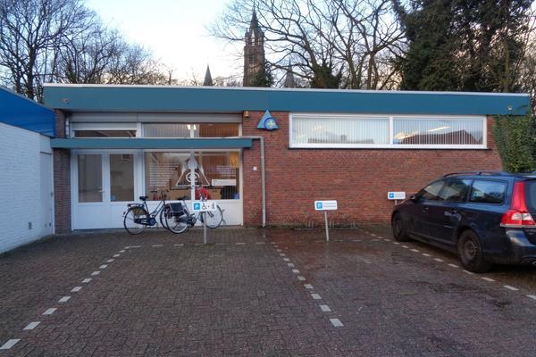 Pastoor Bastiaansensingel 4 in St. Willebrord 4711 EC