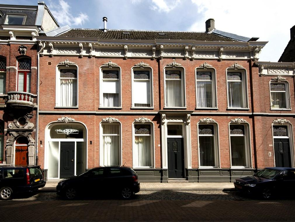 Stationsstraat 34 36 36A in Tilburg 5038 ED