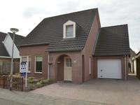 Meester Theelenstraat 47 in Helenaveen 5759 RS