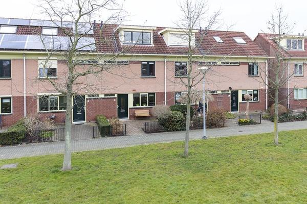 Ravelplantsoen 8 in Nieuw-Vennep 2151 GS