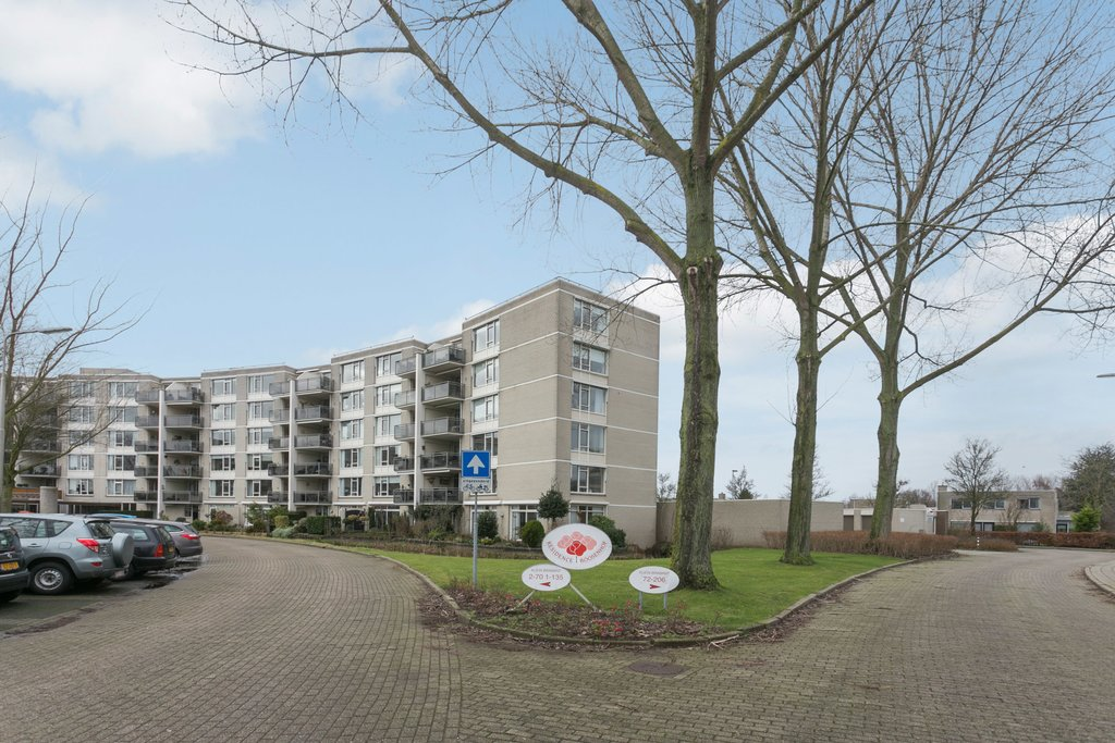 Klein brabant 64 in roosendaal 4707 dr: appartement. de rooy