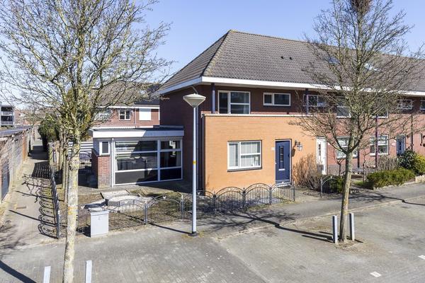 Figarolaan 27 in Nieuw-Vennep 2152 JE