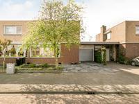 Beukenlaan 64 in Spijkenisse 3203 AC