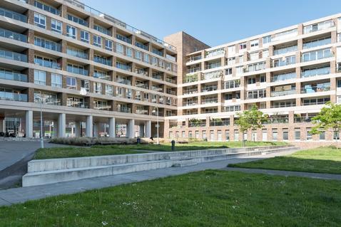 Bos En Lommerplein 79 in Amsterdam 1055 AD