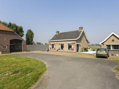 Hoge Zeedijk 58 in Langeweg 4771 RS