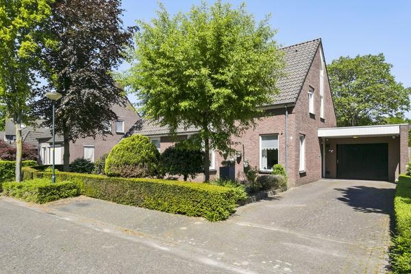 Antoon Van Der Heijdenstraat 8 in Hapert 5527 BV
