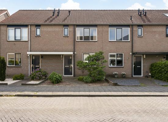 Lage Huis 42 in Beesd 4153 CV