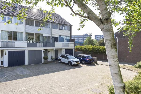 Kinlozen 3 in Nieuw-Vennep 2151 XA