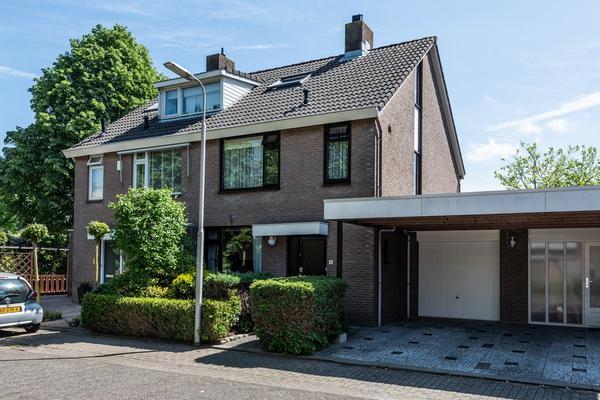 Bliek 33 in Ridderkerk 2986 SB