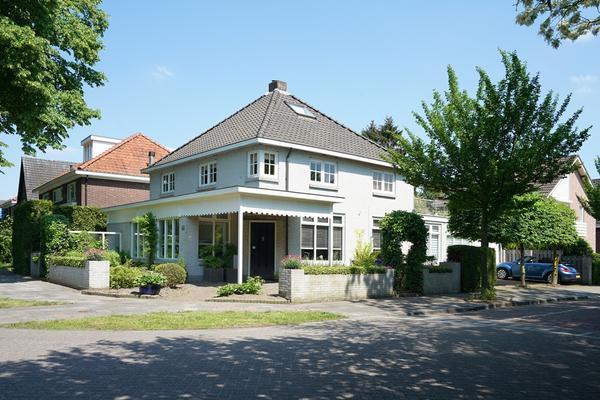 Burg. Van Beckhovenstraat 37 in Oisterwijk 5062 EE