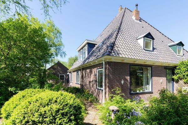 Zwaagdijk 72 in Zwaagdijk-Oost 1683 NK