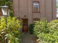Huizerstraatweg 115 in Naarden 1411 GM