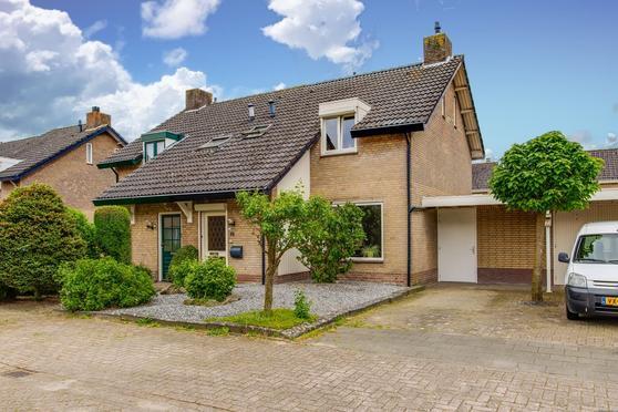Hogewey 10 in Udenhout 5071 TB