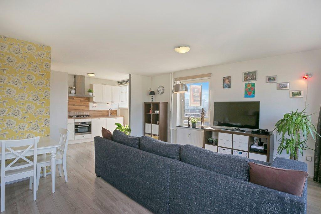 Haverkamp 104 in s gravenhage 2592 bk: appartement. d1 makelaars b.v.