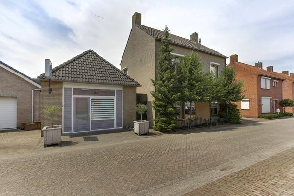 Van Boutershemstraat 1 in Rucphen 4715 AR