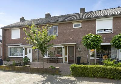 Van Renesseweg 102 in Eindhoven 5645 JT