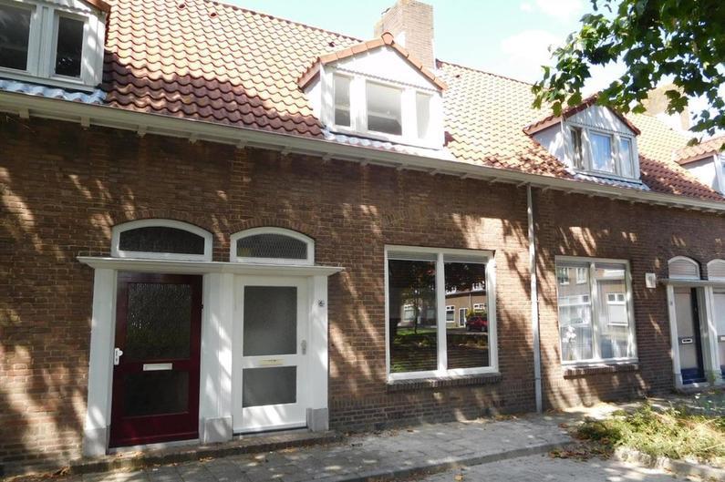 Plataanstraat 6 in Bergen Op Zoom 4621 GW