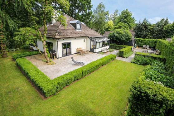 Adelbrechtgaarde 2 in Apeldoorn 7329 AT