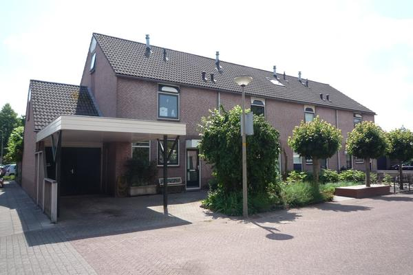 Burgemeester Stamstraat 2 in Nijkerk 3861 DL