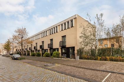 Emmy Andriessestraat 429 * in Amsterdam 1087 NE