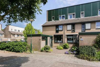 'T Koetshuis 76 in Veenendaal 3902 RH